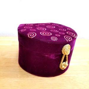 #10033 Nordstrom Vintage Purple Hat Box Gold Embro